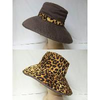 Reversible Floppy Hat, Canvas Fabric with Leopard Print at Reversible Side