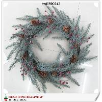64cm Pre-decorated Red Berry Wreath