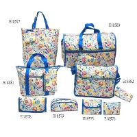 Allover Sweetheart Pattern 8 Pcs Four Tote Bags Four Hand Bags Set