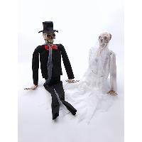 Hanging Prop - Bride and Groom